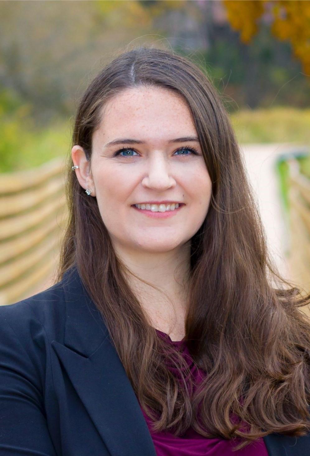Emily Rindahl professional headshot